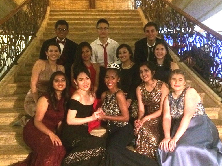Juniors and seniors dine, dance and celebrate friendships at Prom