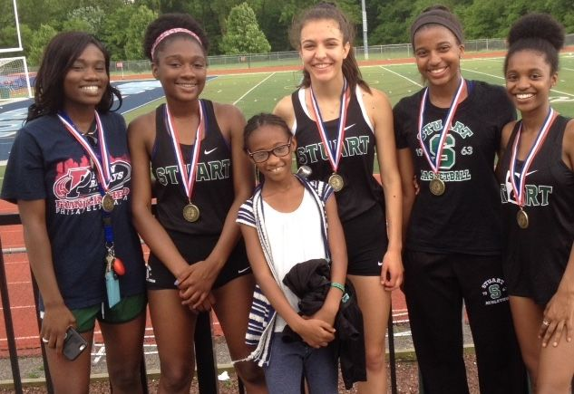 Runners win medals at final track meet of the season