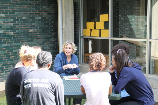 Alumnae News: Kate Leahy '88 shares professional journey, passion for architecture with Upper School students