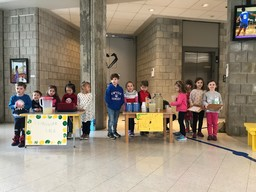 Love and Lemonade: EC boys and girls raise money for Loaves and Fishes with a very successful lemonade stand